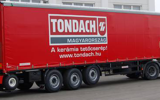 Semitrailers equipped with fork-lift trailers